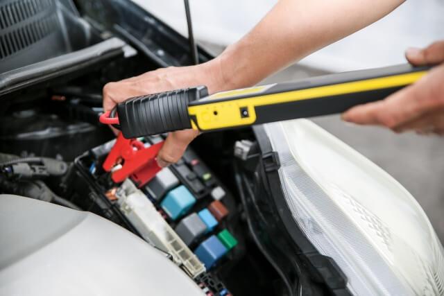 バッテリー上がり・エンジンが掛からない・長期間放置のイメージ